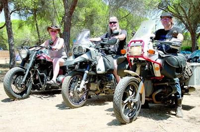 Concentração de motos chega à Baixa de Faro