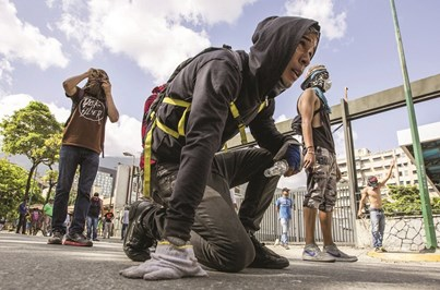 Greve geral na Venezuela manchada por tumultos e mortes