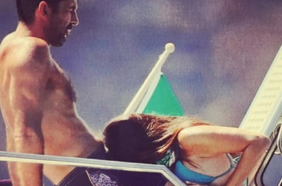 Revista publica fotos escaldantes de Buffon com a namorada