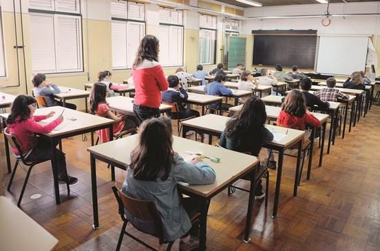 Escola pública perde alunos para privados