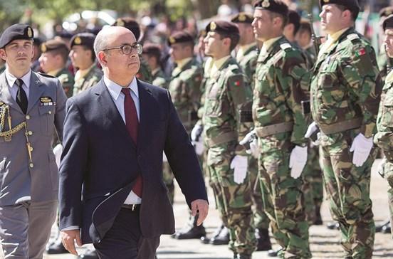 Governo repõe salário aos recrutas militares