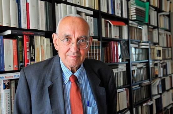 Morreu o escritor e historiador francês Max Gallo