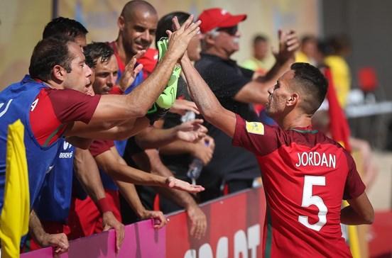 Portugal imperial na estreia do Mundialito