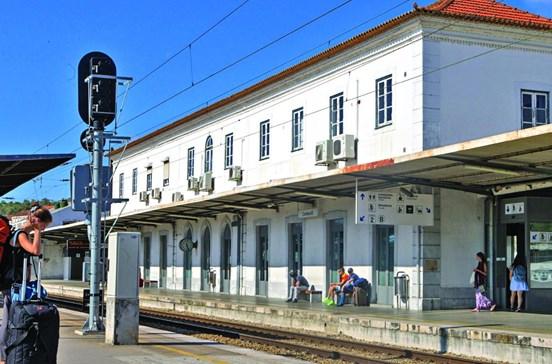 Dez milhões para obras na estação de Coimbra B