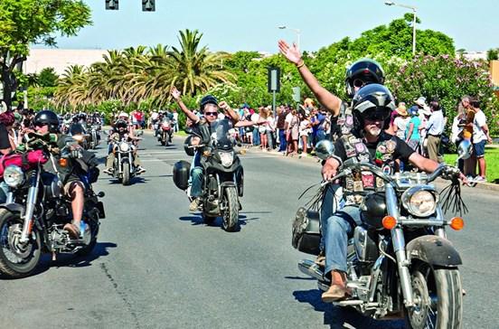 Milhares despedem-se da 'Meca' dos motards