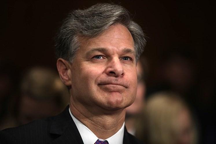Indicado para o FBI contradiz presidente