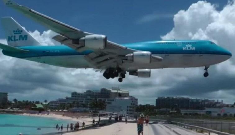 Turista morre com impacto provocado por avião que levantava voo