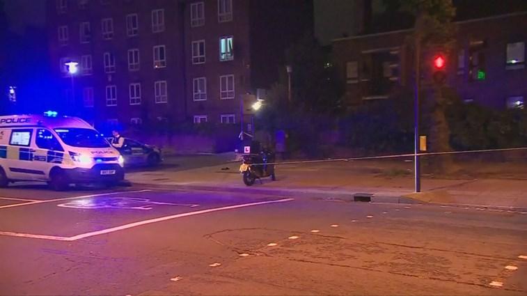 Polícia prende adolescente suspeito de cometer cinco ataques com ácido em Londres