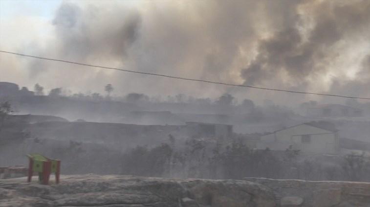 A25 cortada devido a incêndio. Mangualde ativa Plano de Emergência