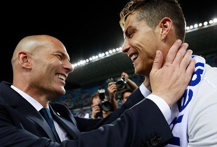 Zidane confirma saída de Danilo — Real Madrid