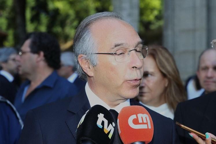 Mendes critica apoio do PSD a Ventura, que acusa de explorar preconceitos