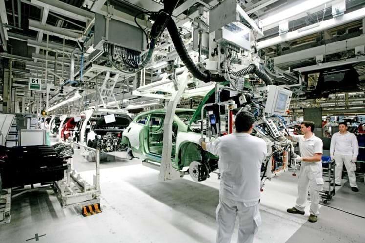 Autoeuropa: Operários ganham mais 16% com semana de seis dias