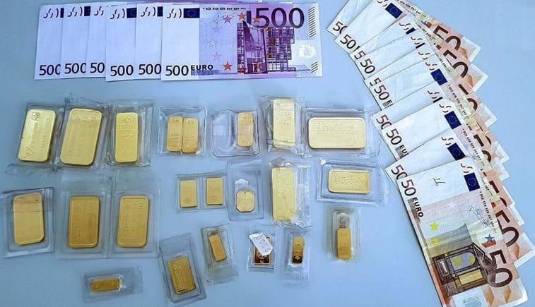Homem encontra mala com 33 mil euros e entrega-a à polícia