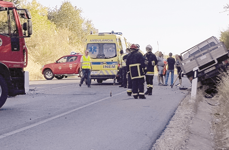 Bombeiros congratulam-se com atribuição de ambulâncias do INEM