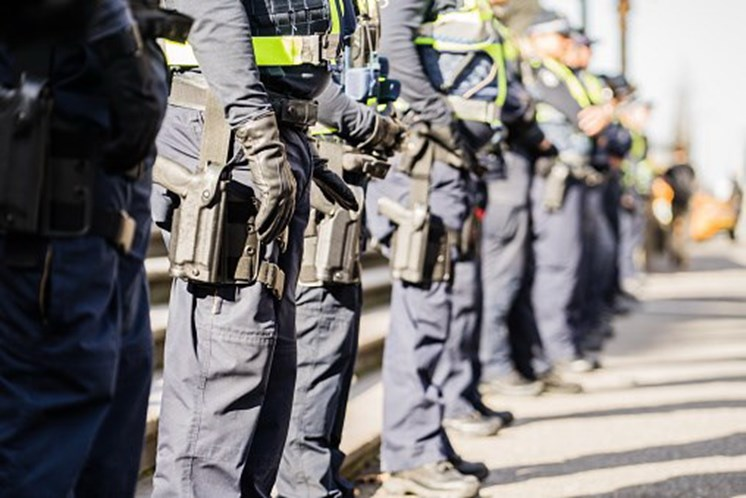 Autoridades australianas frustram plano terrorista para abater avião