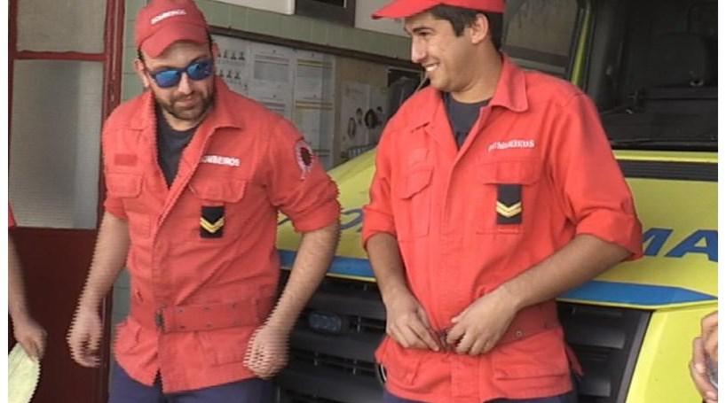 Bombeiros de folga salvam jovem
