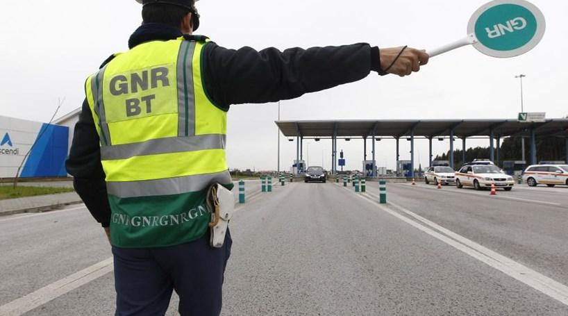 Resultado de imagem para Mais de meia centena de pessoas detidas pela GNR em 12 horas