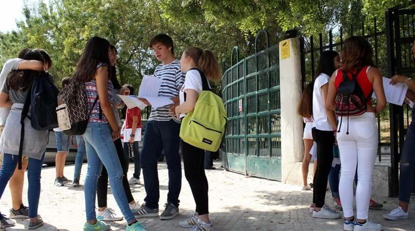 Médias das provas do 9.º ano a Português e Matemática sobem