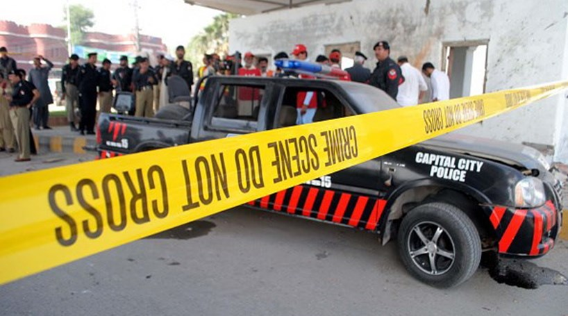 Bombista suicida mata dois militares em ataque no Paquistão