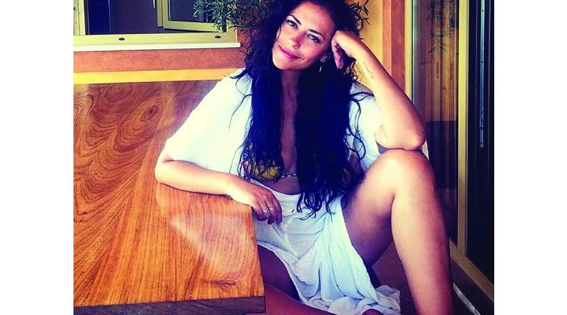 Sofia Ribeiro revela curvas após luta contra o cancro