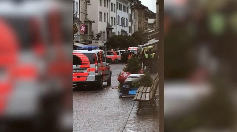 Homem com motosserra faz cinco feridos na Suíça