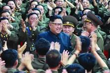 Kim Jong-un retarda ataque à ilha de Guam