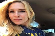 Mulher vende imagens de sexo com os filhos menores na internet