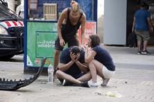 Condutor da carrinha que espalhou a morte em Barcelona ainda está em fuga