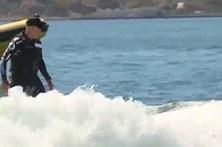 McNamara surfou onda no rio Tejo