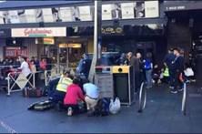 Carro atropela cinco pessoas na Austrália