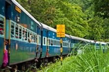 Número de mortos em descarrilamento de comboio no norte da Índia sobe para 23