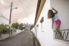 Combate ineficaz deixa fogos sem controlo