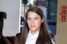 Condenadaa 6 anos e meio de prisão por sexo com pénis falso