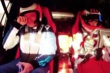 Barrichello emociona-se com condução do filho