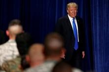 Trump tenta superar polémica racista com apelo ao patriotismo