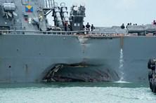 Encontrados corpos de marinheiros desaparecidos em colisão de navio de guerra