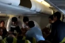 Violência desvia voo da TAP