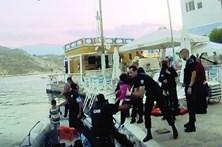 GNR salva 48 sírios em bote