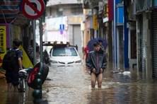 Tufão mata oito pessoas em Macau