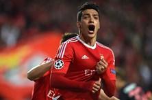 Jiménez ameaça lugar de Seferovic no Benfica