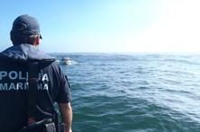 Polícia Marítima de Faro resgata pai e filho de veleiro britânico prestes a naufragar