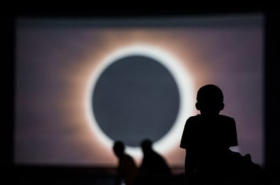 Tudo o que precisa de saber sobre o eclipse solar de hoje