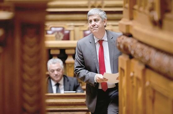 Dívida do setor público custa 3067 euros a cada português