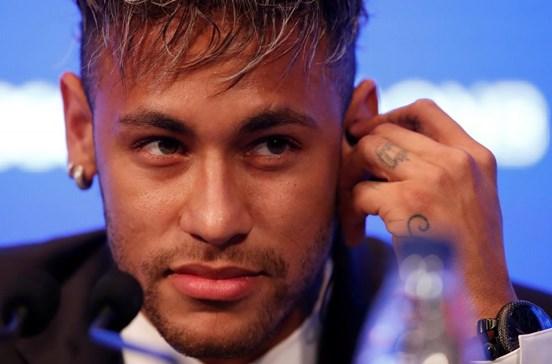 Barcelona pede milhões a Neymar por quebra de contrato
