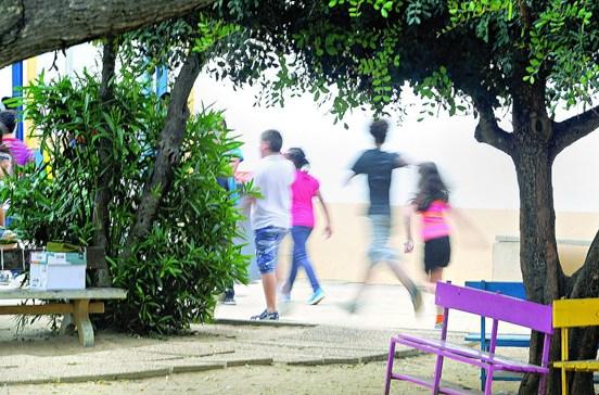 Ministério da Educação paga apoios com 2 meses de atraso