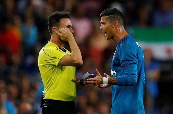 """""""De injustiça em injustiça, nunca me derrubarão"""", garante Ronaldo"""