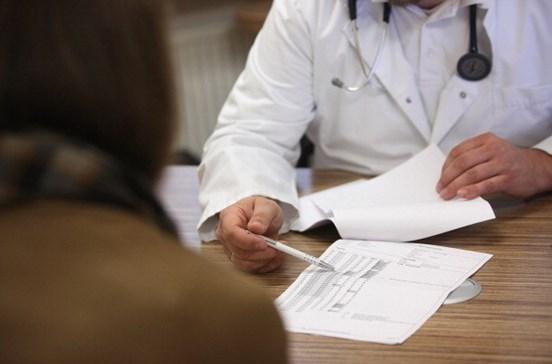 Médico apanha pena suspensa por abuso sexual