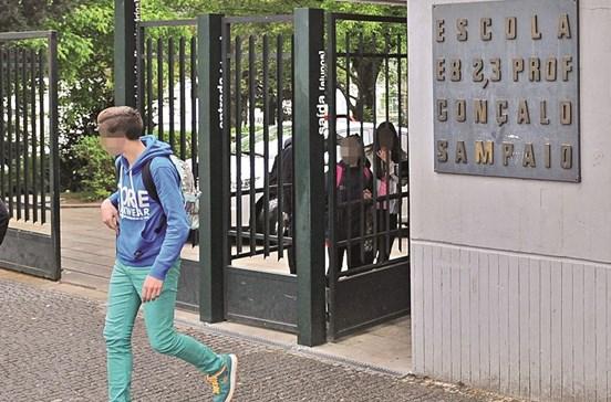 Ministério iliba subida de notas em escola