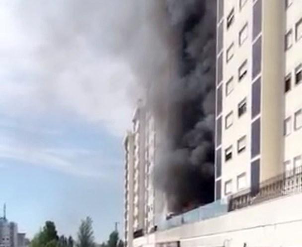Fogo na Quinta do Património obriga a evacuar prédio — Sacavém