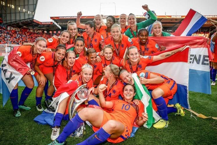 Holanda consegue primeiro título após vitória por 4-2 sobre a Dinamarca